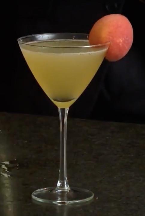A Refreshing Peach Cocktail