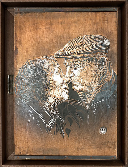 C215 Vieux couple amoureux 64x44cm.jpg