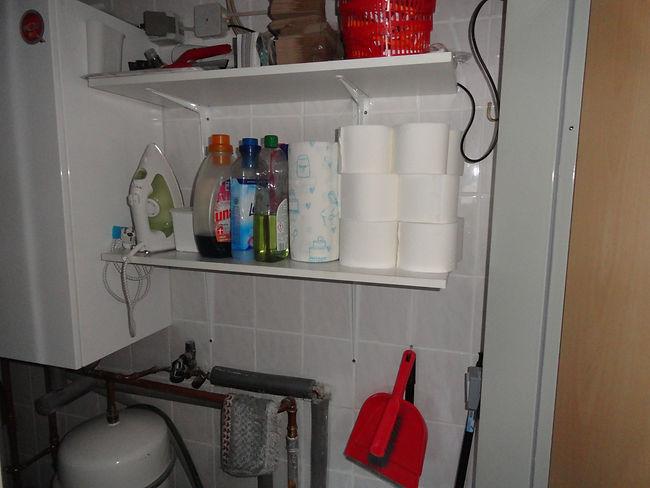 Waschmittel, Kehrschaufel, Toilettenpapi