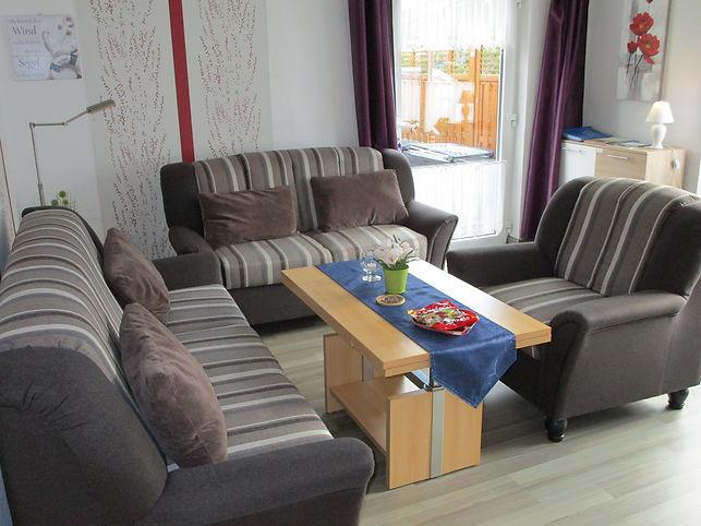 Wohnzimmer, Tisch, Sessel, Ferienhaus, F