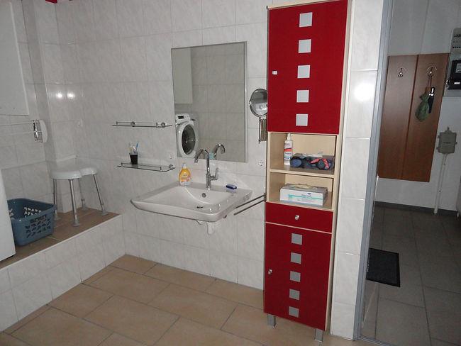 bad-erdgeschoss-waschtisch-ferienwohnung