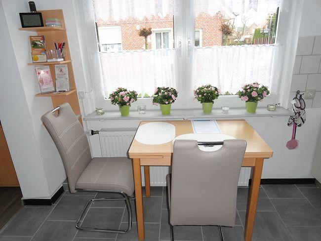 Küche,_Tisch,_Stuhl,_Erdgeschoss,_Ferien