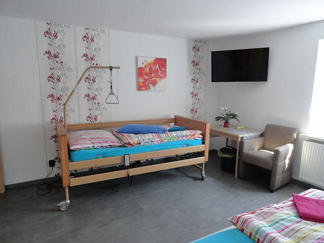 www.haus-leer.com Pflegebett, Schlafzimmer 2, Ferienwohnung, Fewo, Ferienhaus, Amelsberg, 26789, Leer, Ostfriesland, behindertengerecht
