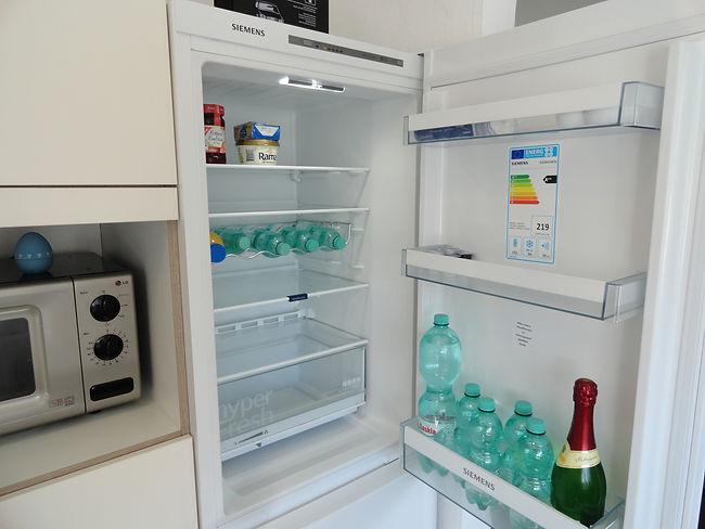 Kühlschrank_,_befüllt_,_Wasser_,_Marmela