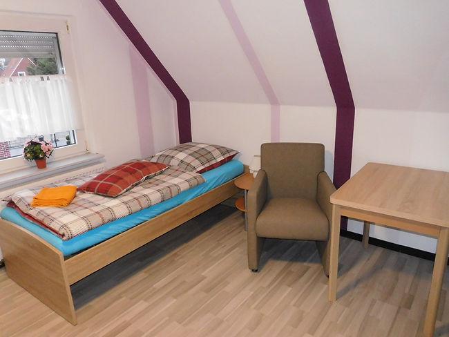 www.haus-leer.com, Schlafzimmer 4, Zuste