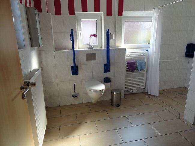 bad-toilette-haltegriff-ferienwohnung-fe
