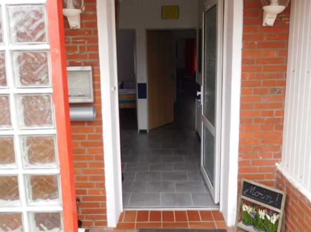 Ebenerdiger Eingang zum 4 Sterne Komfort Ferienhaus Amelsberg in 26789 Leer Ostfriesland