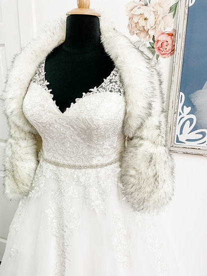 Fur Shawl-WHITE/GREY-for RENT