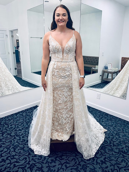 """Jaide Collection Gown-""""Kaisley"""""""