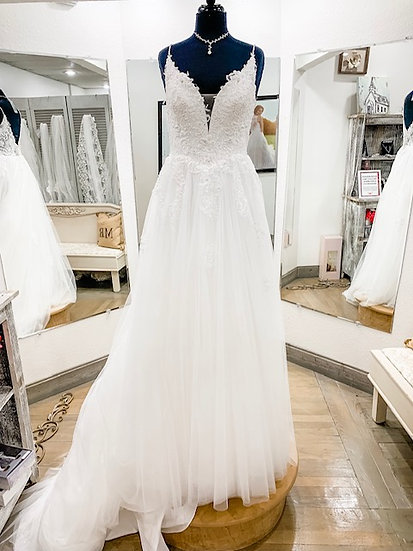 """Jaide Collection Gown-""""𝓒𝓸𝓾𝓻𝓽𝓷𝓮𝔂"""""""
