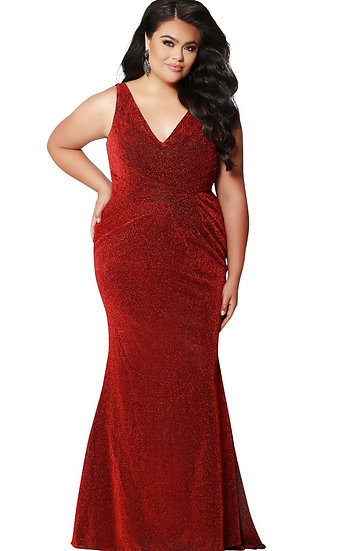Private Collection Prom-Curvy