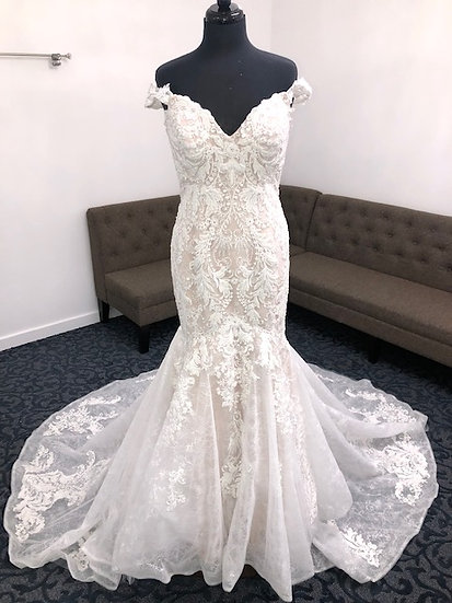 """Jaide Collection Gown-""""𝓐𝓿𝓮𝓻𝔂"""""""