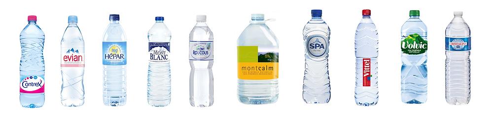 Bouteilles d'eau de source et d'eau minérale
