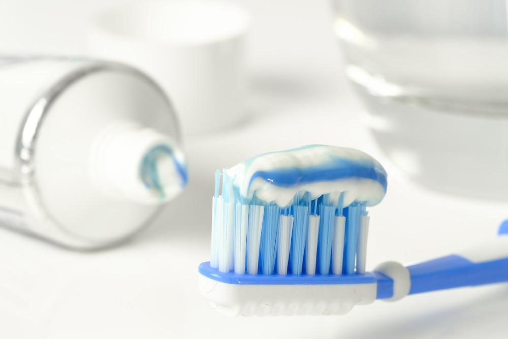 dentifrice-broce à dents