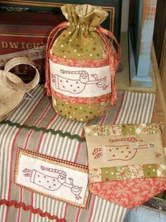 Kris Kringle Gifts Stitchery Pattern