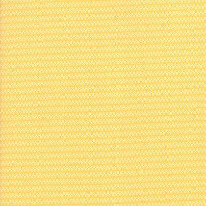 Clover Hollow Sherri & Chelsi 37556-21 Yellow