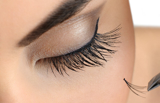 Long Lasting Lashes: Your Guide To Flawless Eyelash Extensions