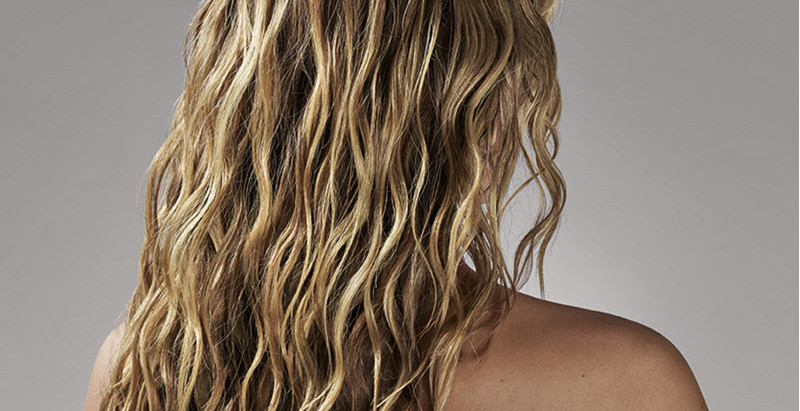 How to Get Beachy Waves in Minutes