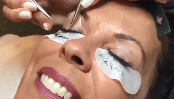 3 Reasons Why Professional Lash Extensions Are Superior to Fake Lashes
