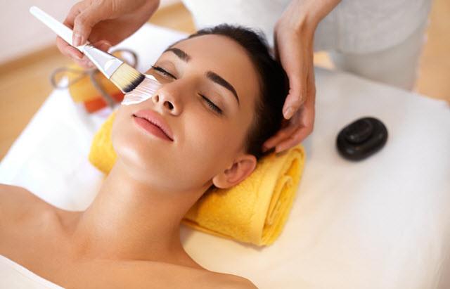 3 Benefits to Getting Regular Facial Treatments