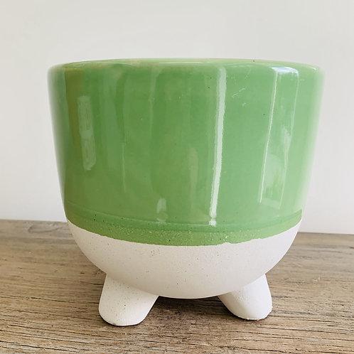 Tripod Pot
