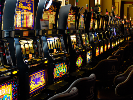 How to increase the chance of winning on a slot machine?