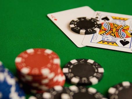 Online poker: tips for beginners.
