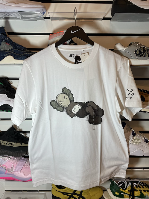 DS KAWS x Uniqlo Tokyo First White Tee (Japanese Sizing)