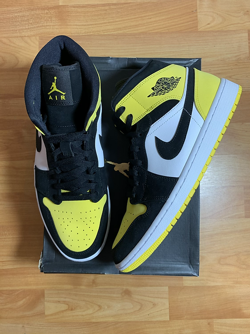 Yellow Toe AJ1 Mid Sz 10.5