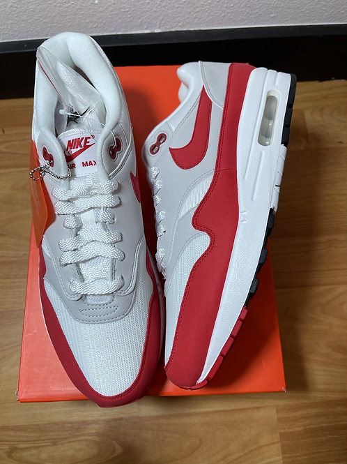 DS Red Anniversary AM1 Sz 9.5
