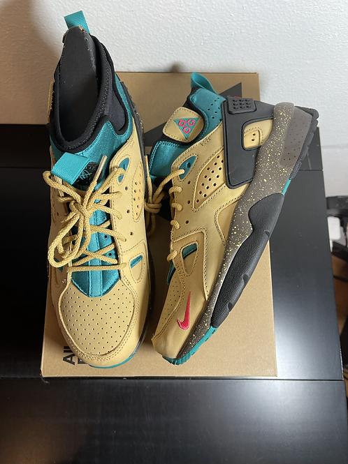 DS ACG Nike Moab Sz 8