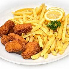 6 stykk kyllingsnuggets med pommes frite