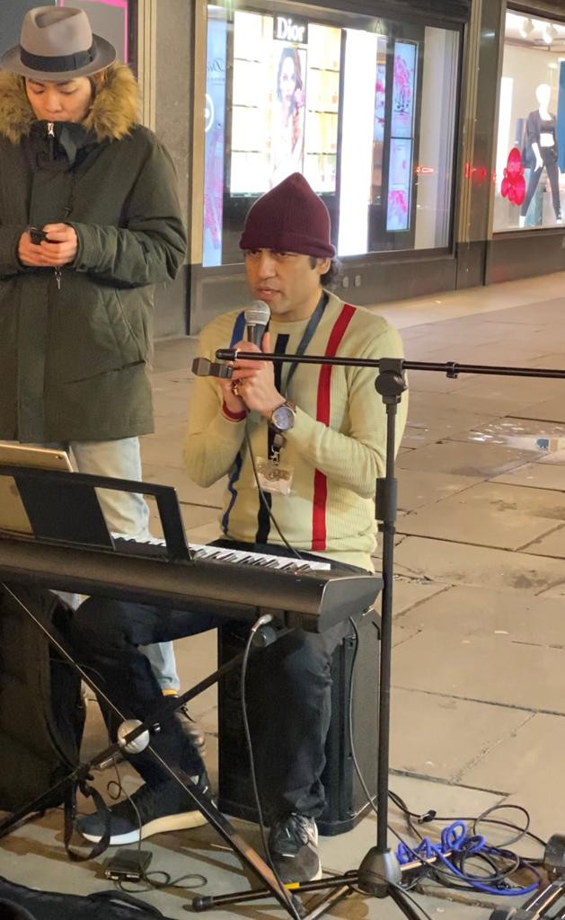 Megastar Aazaad became the first person to sing Hanuman Chalisa at Oxford street,London,UK.