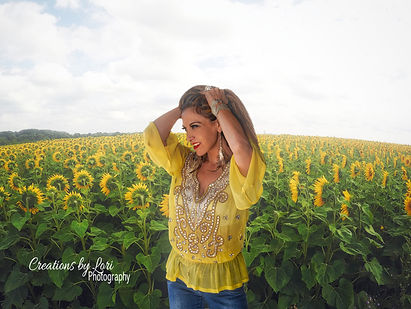 Robyn Sunflowers_HDR_edit2.jpg