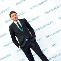 Josh at Pacific Meridian Film Festival 2012 on the Blue Carpet in Vladivostok