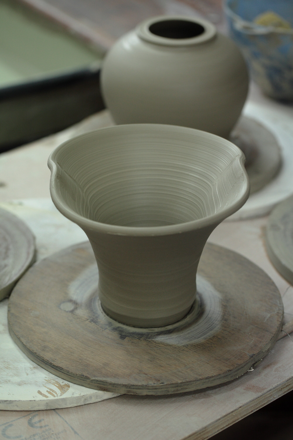 @freyasclayclub we are teaching throwers how to join forms together to create bigger pots..