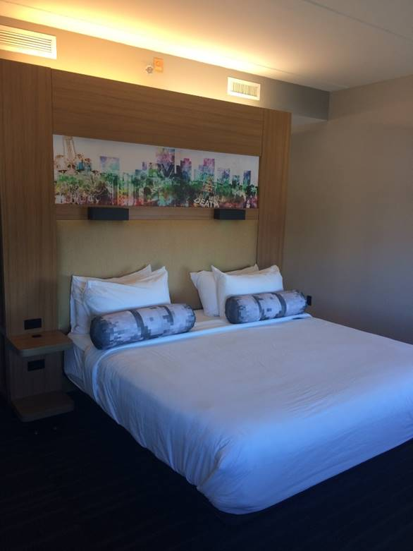 Aloft King Guestroom