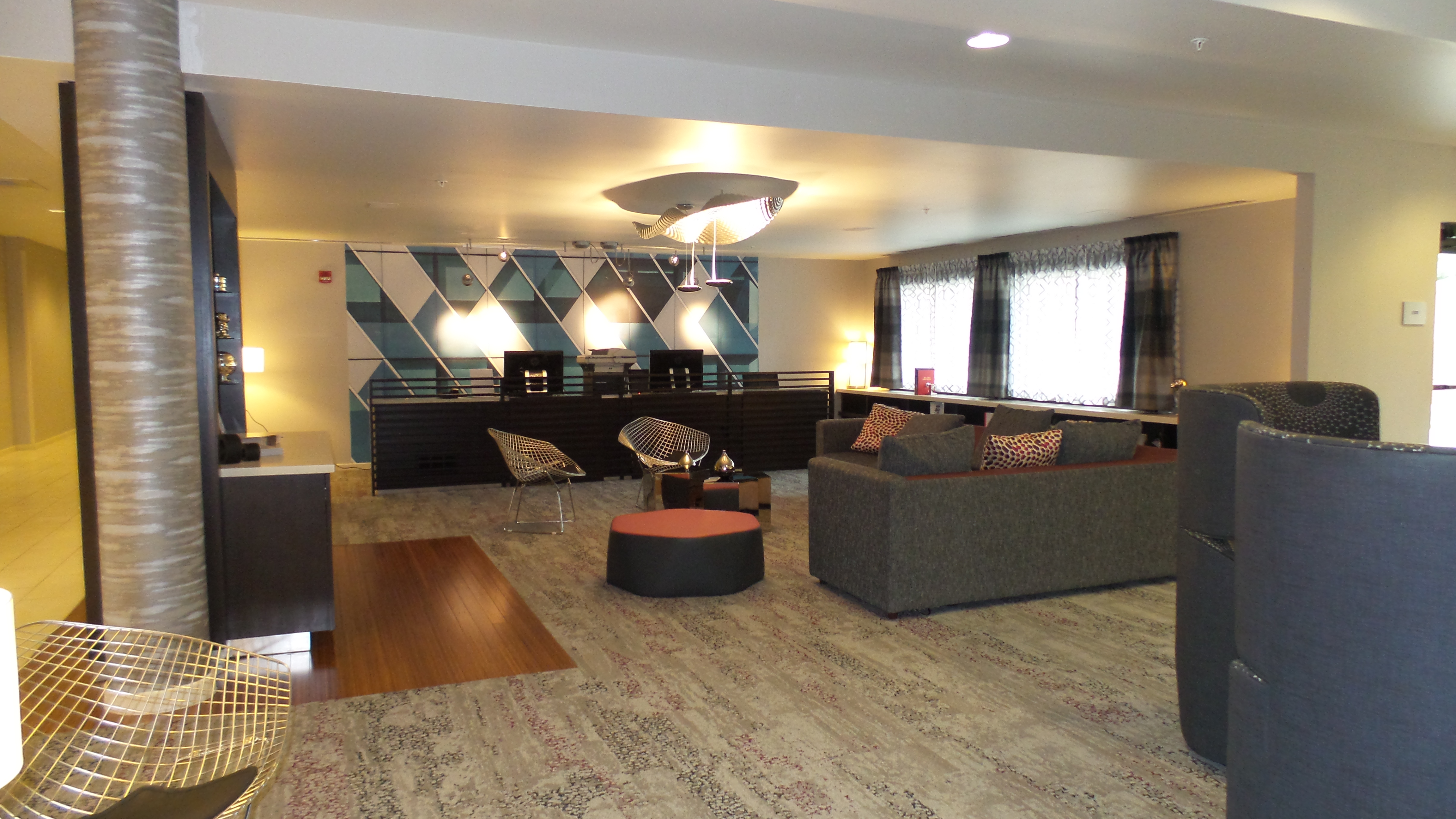 Lobby Lounge 3