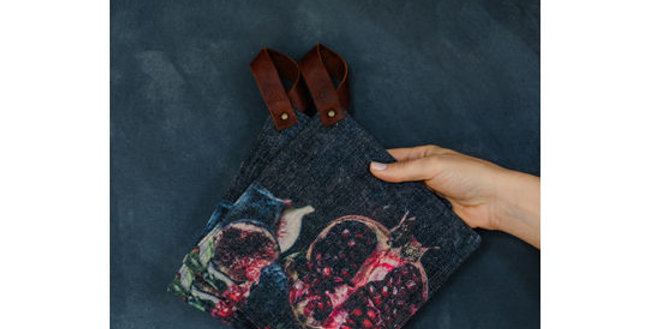 Samesyn Potholders - Pomegranate & Fig