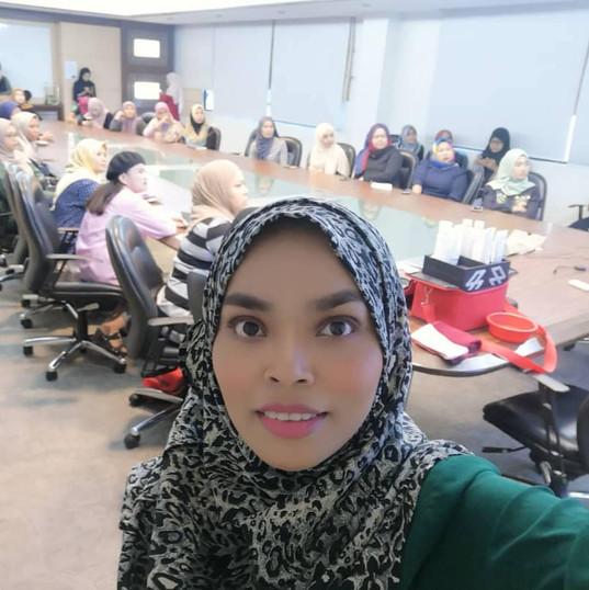 Class Perniagaan Bersama Usahawan