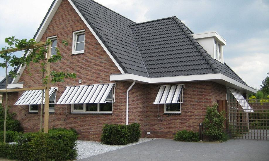 Zonnescherm aan een huis
