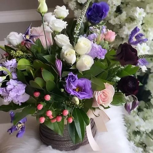 Beautiful Basket (Color options are available)