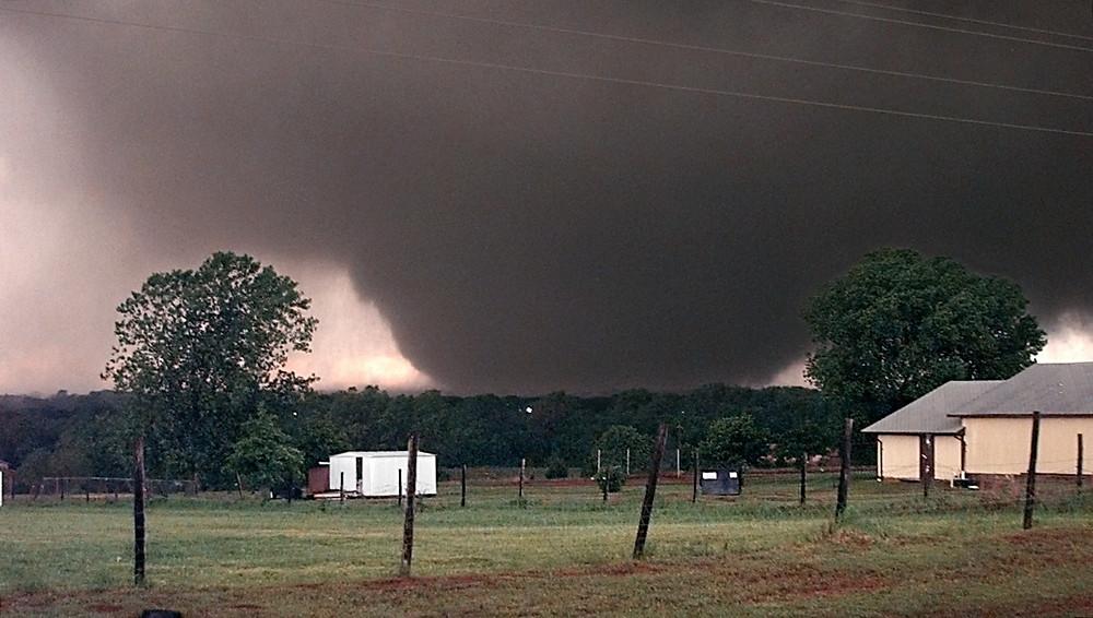 The 1999 tornado heading into Moore