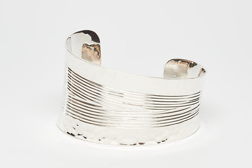 Beveled Lined Cuff