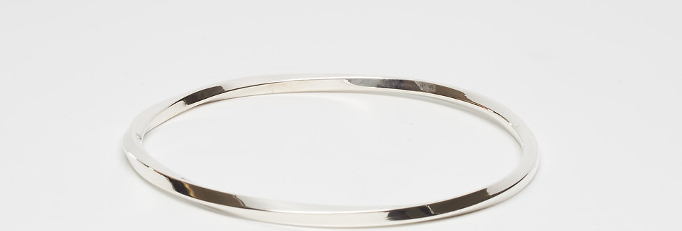 Cubed twisted bangle