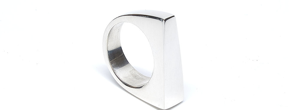 Trapezoid ID Ring
