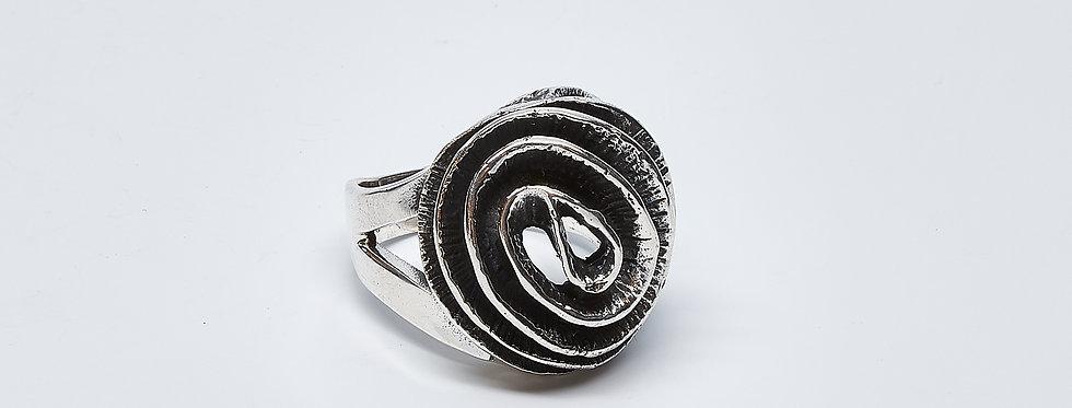 Oxidized Swirl Ring
