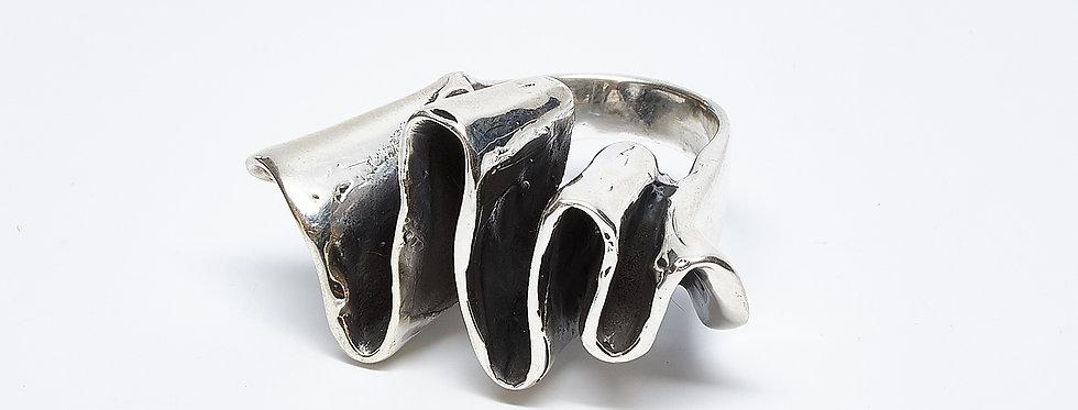 Oxidized Ribbon Ring