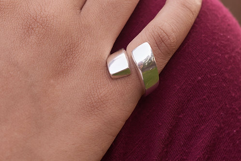Silver Curl Ring