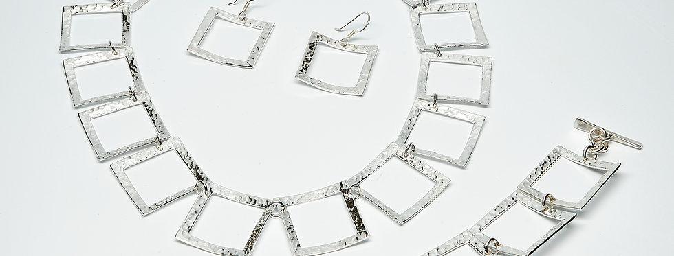 Open Pounded Square Link Bracelet